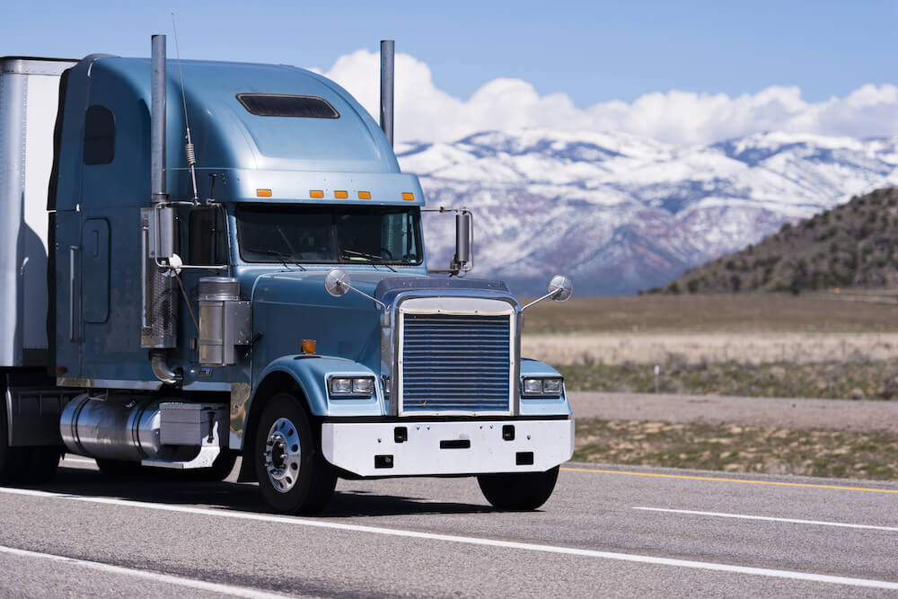 WHAT YOU NEED TO KNOW ABOUT INSURING YOUR TRUCKING BUSINESS