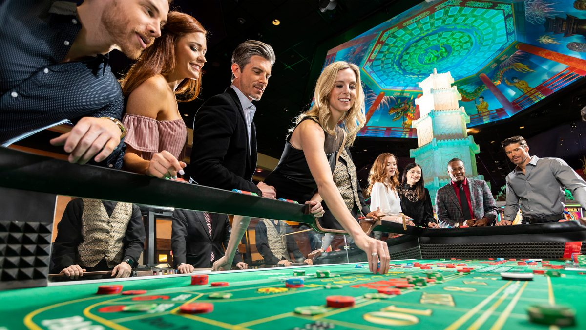 How To Play And Win With Online Casinos