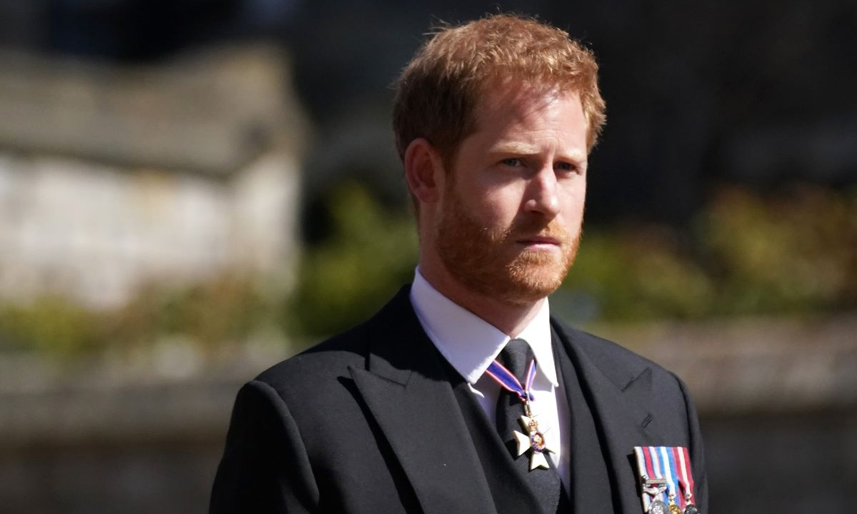 The Special Meaning Behind Meghan Markle and Prince Harrys Funeral Wreath for Prince Philip