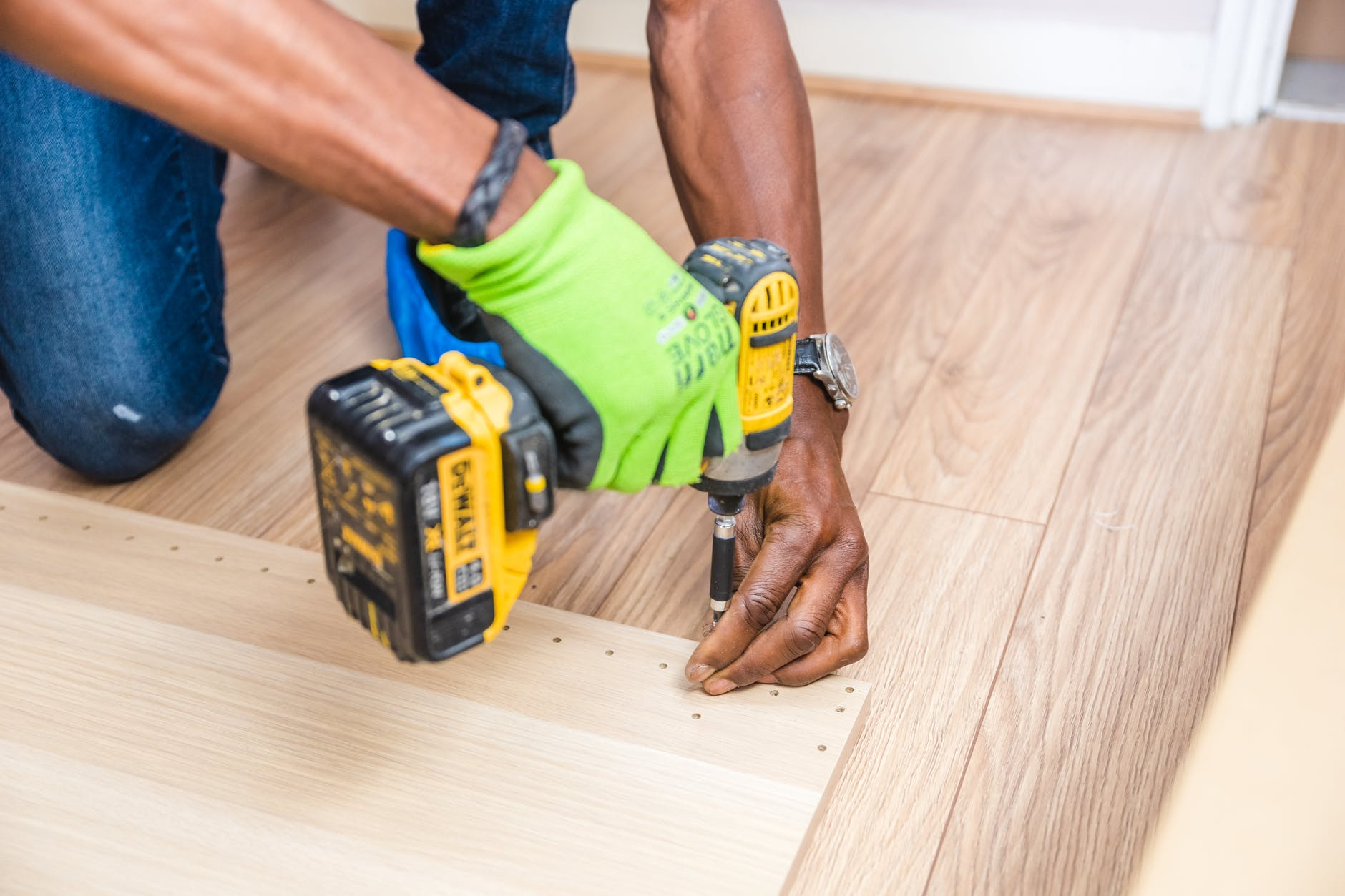 BuyThree Home repairs That You Can Do By Yourself